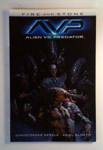 Alien vs. Predator: Fire and Stone #1 (2015) Dark Horse 9.4 NM Trade Paperpack