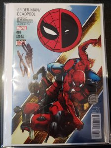 SPIDER-MAN/DEADPOOL #2 SIGNED BY STAN LEE WITH COA