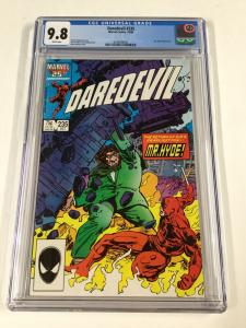 Daredevil 235 Cgc 9.8 White Pages Marvel My. Hyde