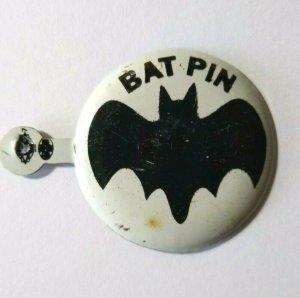 Batman Bat Pin Pinback Button Vintage Tin Superhero Badge Metal Lithograph Old