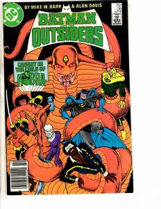 8 Outsiders DC Comic Books # 26 27 28 29 30 31 32 33 Flash Arrow Batman J214