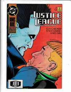 JUSTICE LEAGUE INTERNATIONAL#18 NM/VF  DC COMICS. NO RESERVE Save on shipping