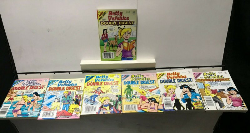 BETTY and VERONICA DOUBLE DIGEST MAGAZINE LOT of 7 Early-Mid 2000's FINE #18