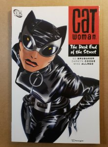 CATWOMAN: THE DARK END OF THE STREET TPB SOFT COVER GRAPHIC NOVEL DC NM