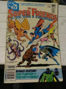 the SUPER FRIENDS # 44 1981 DC COMICS BATMAN SUPERMAN WONDERTWINS AQUAMAN
