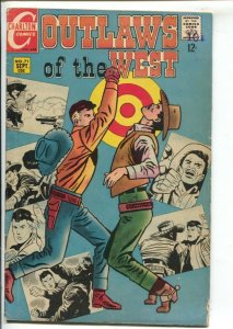 Outlaws of The West #71 1968-Charlton-Pete Morisi Kid Montana cover & story-C...
