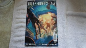 JULY 2016 TITAN COMICS INDEPENDENCE DAY # 4