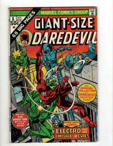 8 Marvel Comics Giant-Size Daredevil 1 Battlestar Galactica 1 Captain + J461