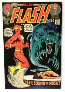 Flash #207 DC 1971 FN/VF Bronze Age 1st Printing Comic Book