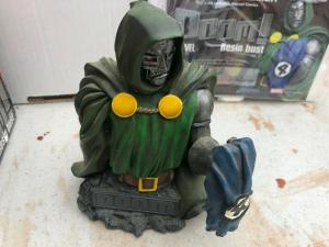 DOCTOR DOOM Resin Bust Diamond Select Toys Fantastic Four #2568/5000 with COA