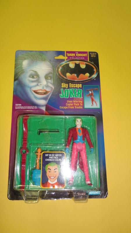 Sky Escape Joker - Dark Knight Collection  KENNER 1990- unopened