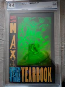 Max Avengers X-men Yearbook (Marvel) Hologram Rare HTF NM