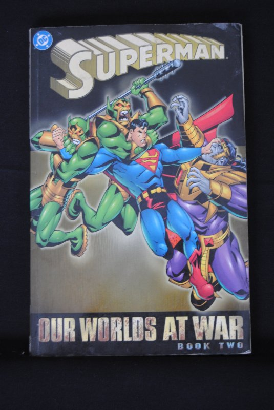Superman, Our worlds at war, book 2