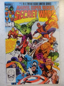SECRET WARS # 1 MARVEL AVENGERS ACTION SMALL DING BOTTOM RIGHT OR GRADES MUCH...