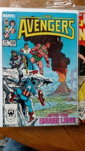 AVENGERS, THE #256 (Marvel,1985) Condition NM