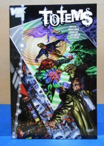 TOTEMS #1, NM, Swamp Thing, Animal Man, Vertigo 2000  more in store