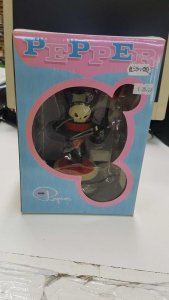 Figura de vinilo: Pepper Ragnar. Sculpted by October Toys for 3D Retro (2013)