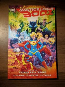 Justice League 3001 TP VOL 02: Things Fall Apart (2016) - Used, Very Good