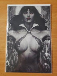 HOT VAMPIRELLA #2 LAU NOIR INCV VARIANT COVER. RARE!