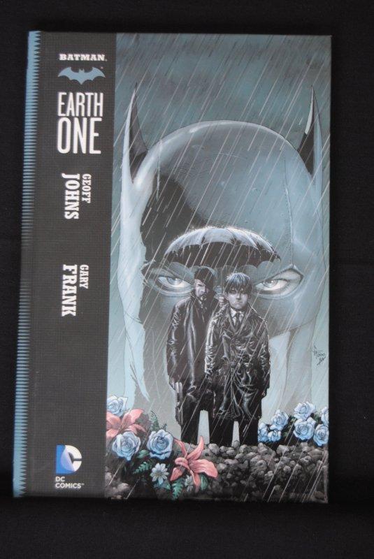Batman Earth One, Hardcover