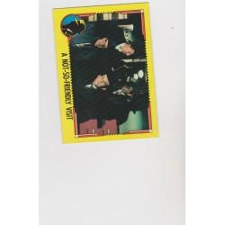 1990 Topps DICK TRACY-A NOT-SO-FRIENDLY VISIT #32
