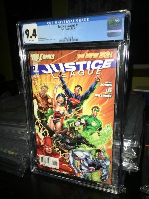 Justice League #1 New 52 CGC Graded (9.4 white pages)