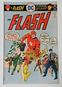 The Flash #239 (Feb 1976, DC) VF- 7.5 Kid Flash Pied Piper Trickster appearance