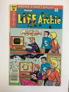 LIFE WITH ARCHIE (1958-    )228 VF-NM Jan 1982 COMICS BOOK