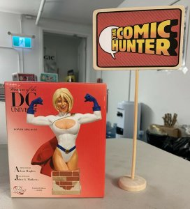Women of The DC Universe Power Girl Bust Adam Hughes Limited Edition