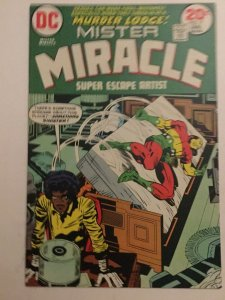 Mister Miracle 17 Nm Near Mint Dc