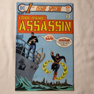 First Issue Special  11 Fine+ Cover by Mike Grell