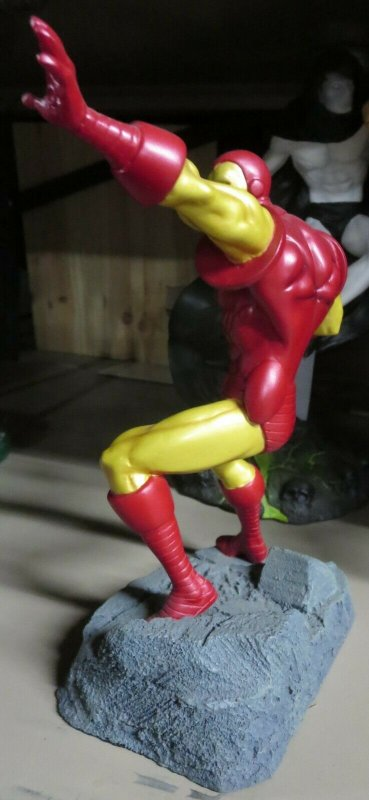 IRON MAN DIAMOND SELECT AVENGERS & ADVERSARIES STATUE by Tony Cipriano NO BOX