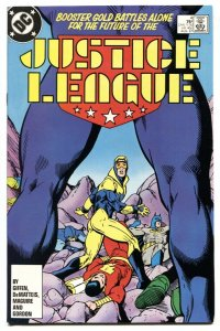 Justice League #4 BOOSTER GOLD joins team-comic book-DC NM-
