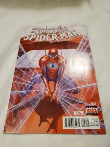 Amazing Spider-Man 2 Near Mint- Cover by Alex Ross