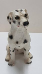 Figura de perro resina: Dalmata de 9x6.5 cm.