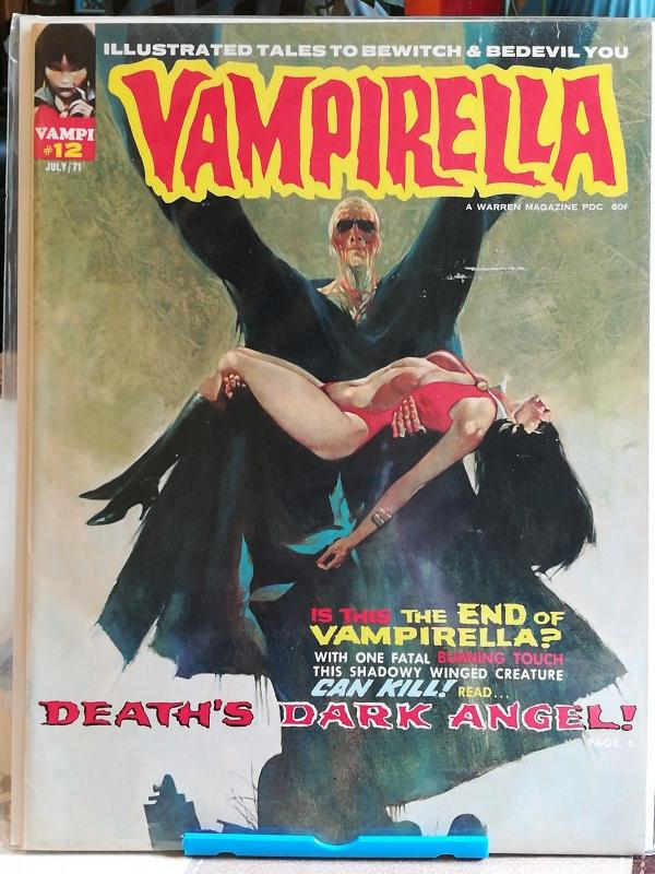 Vampirella comic book set of 8 in fine condition