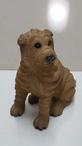 Figura de perro resina: Shar Pei de 8x7 cm