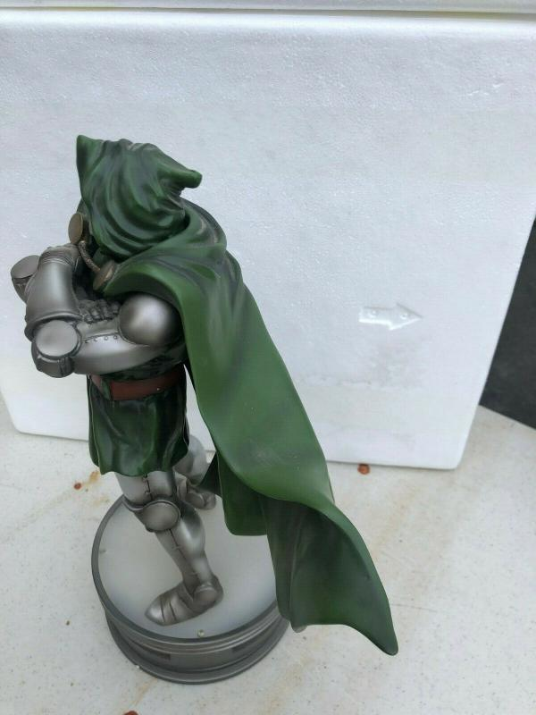 KOTOBUKIYA DOCTOR DOOM Fine Art Statue 15 Marvel 585/1250