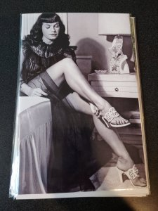 BETTY PAGE #10 PHOTO COVER VIRGIN VARIANT NM
