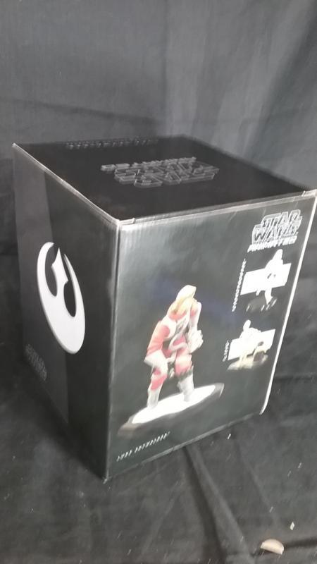 Luke Skywalker X-Wing Maquette by Gentle Giant