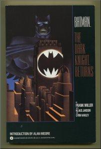 Batman : Dark Knight Returns / 224 Page Trade Paperback  November 1986