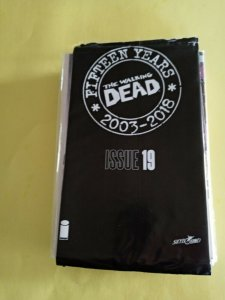 THE WALKING DEAD FIFTEEN YEARS SEALED BAGGED ISSUE #19 2018 IMAGE /  NM