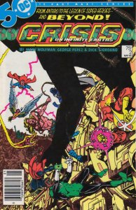 Crisis On Infinite Earths #2 (Newsstand) FN; DC | save on shipping - details ins
