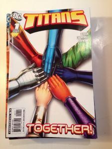 Titans 32 Book Near Mint Lot Set Run 1-3 37-39 48-53 55-57 88-94 96 97