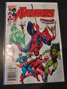 The Avengers # 236 Marvel COMICS SPIDER MAN 1983 VF+/nm