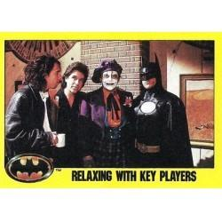 1989 Batman The Movie Series 2 Topps RELAXING WITH KEY PLAYERS #248