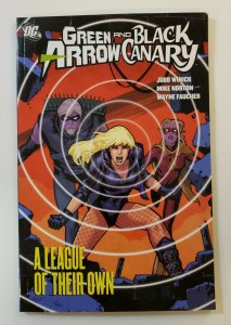 GREEN ARROW AND BLACK CANARY A LEAGUE OF THEIR OWN TPB SOFT COVER VF/NM