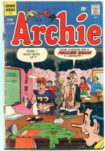 Archie #218 1972-Betty-Veronica-Jughead-chemistry gag cover G