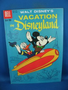 FOUR COLOR 1025 VACATION IN DISNEYLAND VF- UNCLE SCROOGE 24 PAGES OF BARKS 1959