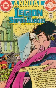 DC Comics!  The Legion of Super-Heroes! Annual #2! Great Looking Book!